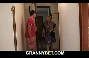 This chab brings busty old grandma lodging for play