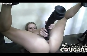 Female Muscle Cougar It'_s So Big, This babe Can'_t Cool off Get Hose down In all directions