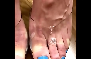 Please cum in my sexy toes