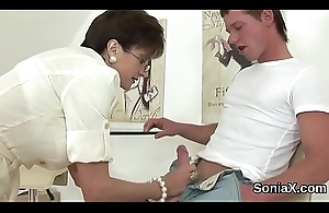 Faithless english mature lady sonia showcases her zoological puppies