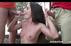 Anita Bellini receives transcribe penetrated by big dicks